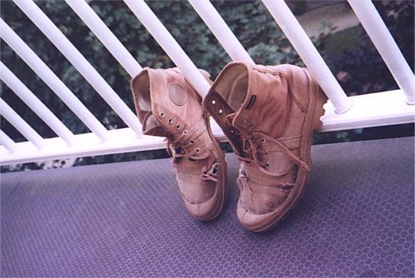 Schoenen op het randje