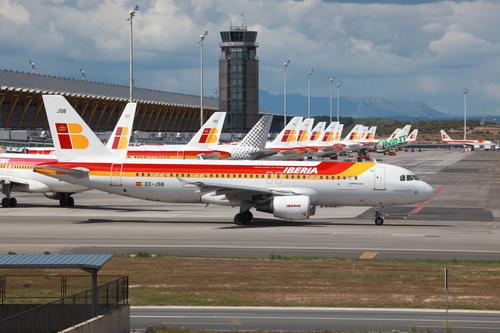 Iberia vliegtuigen op luchthaven Madrid, Spanje