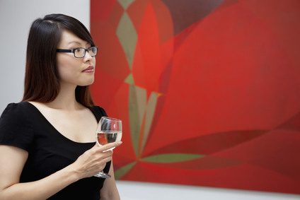 Drankje in kunstgalerie in Londen