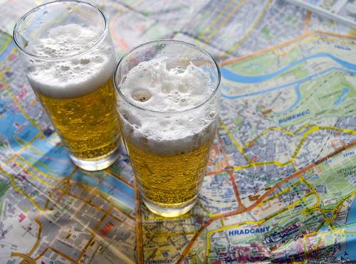 Biertje drinken op reis