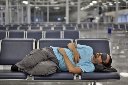 Slapen op het vliegveld