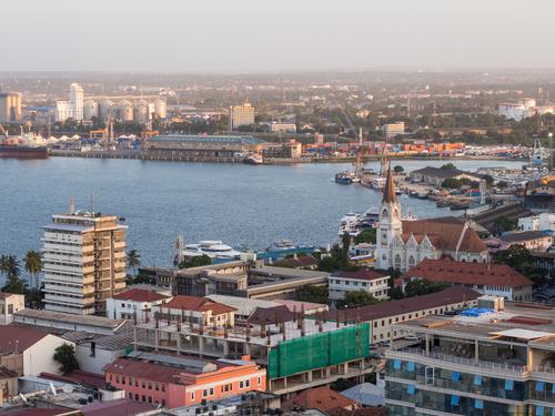 Vliegen naar Dar es Salaam