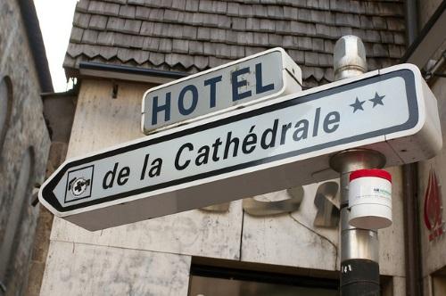 Bord van hotel in Frankrijk