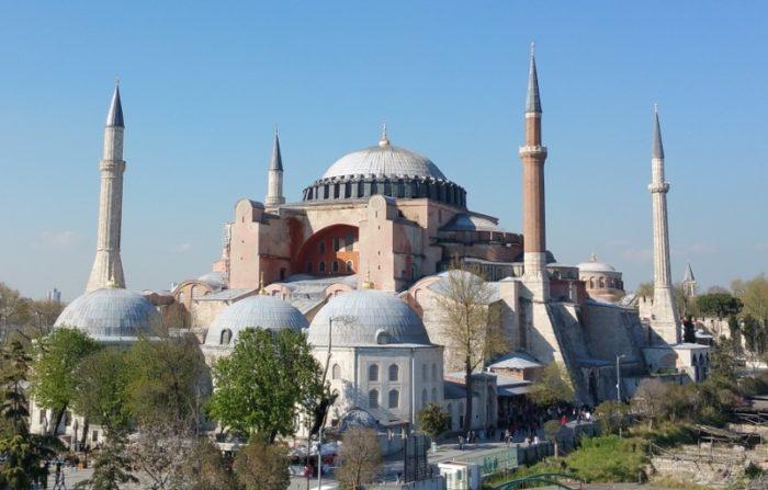 istanbul-hagia-sophia-700x447.jpg